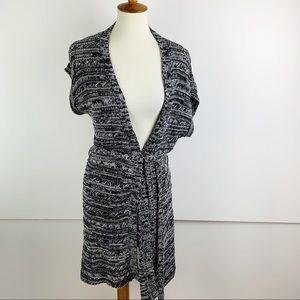 BCBGMaxAzria Sweaters - BCBGMAXAZRIA Black Short Sleeve Knit Wrap Cardigan